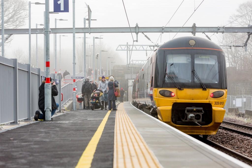 Apperley-Bridge-Station_Mercury-121